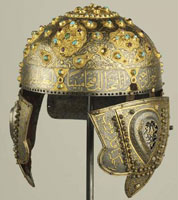 Золотая насечка на боевом шлеме
