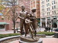 Скульптурная группа на улице Бостона